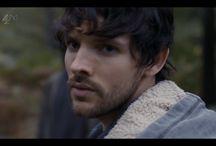 """Colin Morgan dans Humans / Colin Morgan dans la saison 1 de la série britannique """"Humans"""". Diffusée sur Channel 4, en juin 2015."""