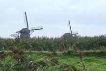 Kinderdijk / Klasický znak Nizozemí - větrné mlýny nedaleko Rotterdamu