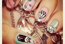 Loves - Cutesy Nails