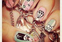Loves - Cutesy Nails