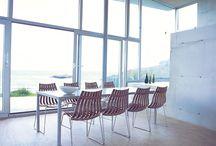 Stoler / Forskjellige stoler, ei trapp og litt til