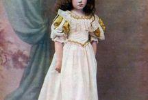 Lady Elizabeth Bowes-Lyon Queen Mother