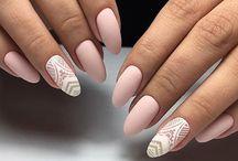 Mellie nails