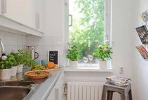 Small Space Living / Great décor in tiny spaces.