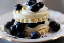 Shortbread Cookie Recipes / by Pretty Sweetz