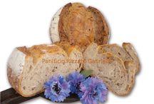 Pane con semi, fiocchi e cereali