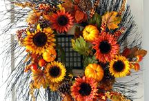 Fall Decor Inspiration / Fall is all about colors, textures, smells and flavors that we can work into our home decor. Here are some fall-themed ideas.