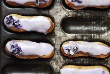 Süßes Gebäck | sweet pastry / Süße Kleinigkeiten wie Macarons, Pastetchen, Schnecken und anderes Gebäck