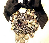 Jewelry / Jewelry, rhinestones, brooches, necklaces, cuffs and eye candy,