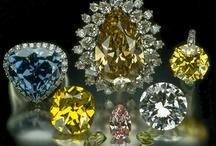 Historic Gems & Jewelry / by Robyn Hawk