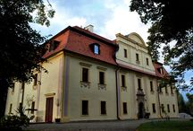 Kietlin - Pałac / Pałac w Kietlinie przebudowany w XVIII w. z XVIi-wiecznego dworu dla rodziny von Lohenstein. Po 2WŚ pałac włączony został do PGR . Mieścił się w nim rownież Klub Książki i Prasy . Nieużytkowany po upadku PGR . Od 1990r znalazł się w składzie Spółki Rolniczej i został zaadaptowany na gospodarstwo agroturystyczne.