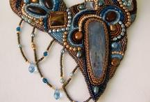 Ожерелья (вышивка бисером и т п)