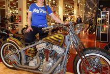 Harleysite Custombike Show Bad Salzuflen Germany #silja #siljaline #harley #harleysite #harleydavidson #badsalzuflen #cbs #dyna #showbike #model  #bikeshow