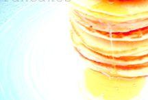 Pancakes con sciroppo d' acero / Leggeri e soffici, non smetteresti mai di mangiarli !