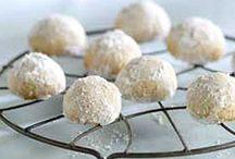 Cookies cookies cookies / by Evelyn Malter