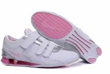 Nike Womens Shoes / by wang zubin