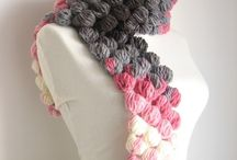 Knitting scarfs