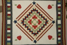 round robin quilt ideas / by Suzi Fire