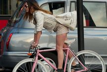 en la bici...