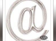 Posh Grafitti / DECORATIE LETTERS POSH Graffiti    Met de hand gesneden uit licht gewicht Albizia hout, ook wel bekend als `Pauwen Plume`, een van de snelst groeiende bomen op aarde. De zilveren uitvoering is zorgvuldig bedekt met witte gesso gips en handverguld met een zilver bladmetaal, de Floral uitvoering is handbeschilderd.Onze POSH Graffiti letters zijn niet vrijstaand.