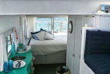 Houseboat! / by Ralu Dabija