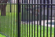FenceGuides - Aluminium Garden Fencing / Aluminium garden fencing ideas from our collection. Who new Aluminium fences could look this good!