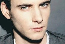 Harry Lloyd. :3