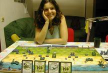 Graczki gier planszowych / Seksowne dziewczyny grające w gry planszowe sexy board game players