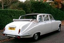 Daimler Cars / 1898 Daimler Çift Silindir 6HP Wagonette üretime başlamıştır. Gottlieb Daimler 1890 yılında Almanya'da yaptığı şirket kurmuştur. Ama ikinci Daimler İngiliz endişesiyle Daimler isim haklarını ve onların erken ikinci el arabalar Panhard şasi ve Alman Daimler motor aldı. 1896 yılında Coventry attı. Alman Daimler Mercedes-Benz sahibi bir şirket olarak varlığını sürdürüyor. İngiliz Daimler Jaguar aittir.