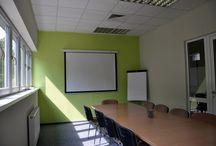 RISE Wirtualne Biuro - CRACOW / RISE Wirtualne Biuro to miejsce gdzie możesz wynająć biurko na godziny i pracować w spokoju w przyjaznej atmosferze lub spotkać się z klientami w wygodnych salach konferencyjnych na wynajem.