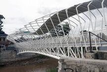 Jembatan penyeberangan orang (pedestrian Bridge) jayakarta