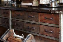 Antigüedades puristas / Objetos del pasado que tienen una nueva oportunidad por una restauración minuciosa.