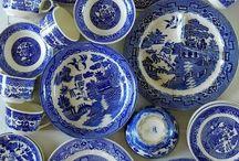 Porselen o.a. i blått og hvitt
