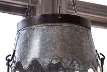 Bucket lighting for the little horse box