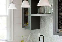 Kitchen - Sideboard / by Rechelle Blank