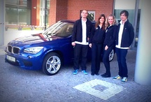 BMW X1 - testovací jízdy s fanoušky / Ve dnech 10. a 11. října jsme připravili speciální akci - fanoušci si mohli přes Facebook přivolat posádku nového BMW X1 na svou adresu a vyzkoušet si sami jízdu v tomto skvělém voze. Více informací: http://bit.ly/BMWCZGlympse