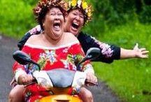Lustige HAWAI-Frauen