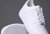 Nike Air Force One.