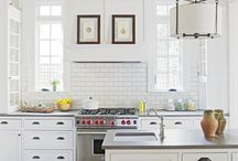 Kitchen Range Hoods Between Windows / It is very hard to design and visualize the range hood between windows and how to handle the wall with trim and tile. Here is a selection of kitchen designs we love. Copying is the best form of flattery.