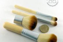 mineral make-up brushes & accesorises