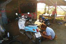 Een lekke band met de motorbike in Thailand