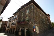 Posada Las Doñas del Portazgo / Nuestra Posada Las Doñas del Portazgo en Villafranca del Bierzo, en el Camino de Santiago