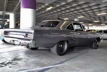 Black and White Muscle Cars / Cool pictures of black and white cars.
