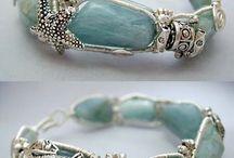 Wirework Jewelry / by Mariela Mojica