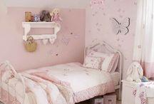Idea's bedroom girl
