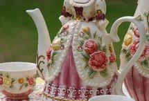 dollies & tea pots