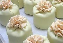 Cakes I want to make / by Samye Joplin Young