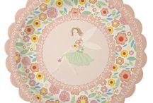 Feen - Fairy Party / Hier findet ihr süße Ideen, Pappgeschirr und Dekorationen für eure Feenparty.