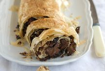 jamie oliver christmas strudel + add some greated appel