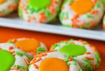 Fall Treats and Snacks / Fun Fall Treats and Snack Ideas / by Amanda Davis Ruscheinsky